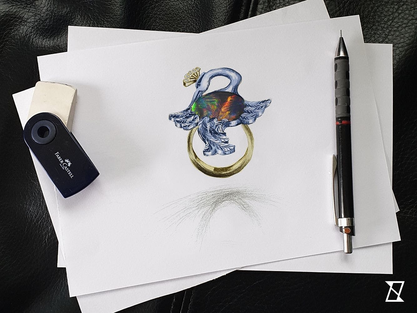 Projekt pierścionka z żurawiem z czarnym opalem.